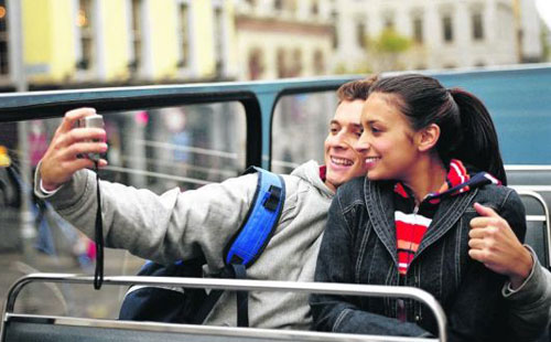 Record year for overseas visitors