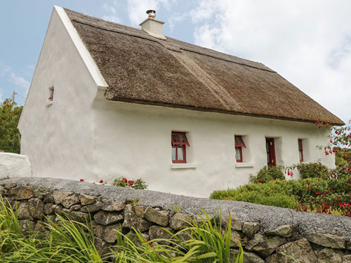 Welcomes investment in Built Heritage in Galway